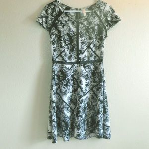 Xhileration black and white floral print dresss